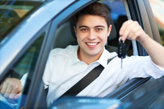 Jugendliche Autofahrer