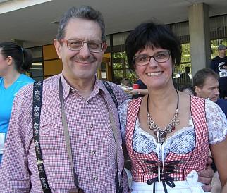 """Wolfgang Wagner mag Deutsch, weil es """"eine sehr präzise Sprache ist"""". Seine Frau Claudia will die emotionale Seite betonen: """"Deutsch ist cool, weil: Das bin ich."""""""