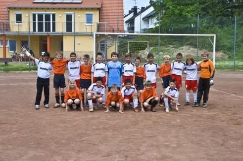 Wie die Großen: Eine Jugend-Fußballmannschaft. Foto: Jorg Hackemann/Shutterstock.com